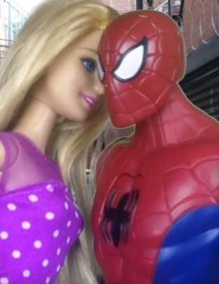 Мультик Барби и Человек Паук